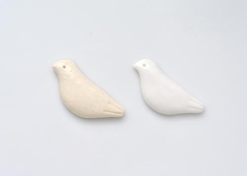 陶器の鳩と磁器の鳩